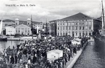 Folla_a_Trieste