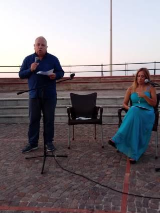 Antonino Schiera con Alessandra Di Girolamo a Un mare di libri di Isola delle Femmine